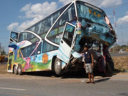 Thai Tour Bus