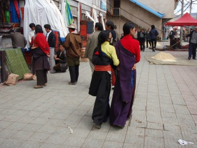 Two young women enjoying the streets of Litang